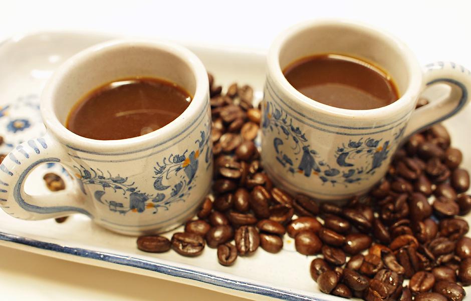 Kuppi kahvia kummallekin jalalle ja kierrostulokset alas?