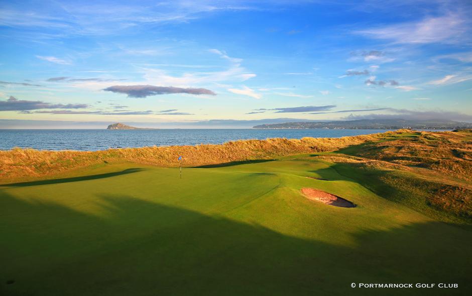 Portmarnock Golf Club on yksi Dublinin seudun ylpeydenaiheista. 15. reikä jää vierailijan mieleen. Naapurista löytyy Portmarnock Links hotelleineen.